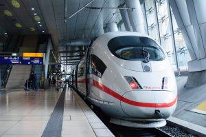 Zug ausgefallen rufen Sie uns an. Wir fahren Sie nach Hause und rechnen diese mit der Deutschen Bahn ab.