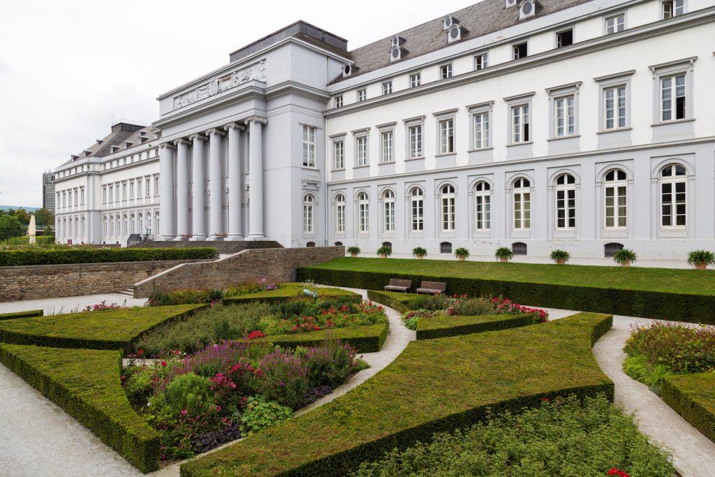 Das Kurfürstliche Schloss im Herzen von Koblenz. Erbaut wurde es 1777
